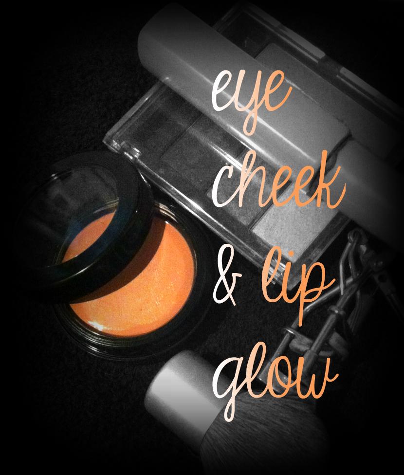 Skinn Cosmetics Glow LadyClever.com