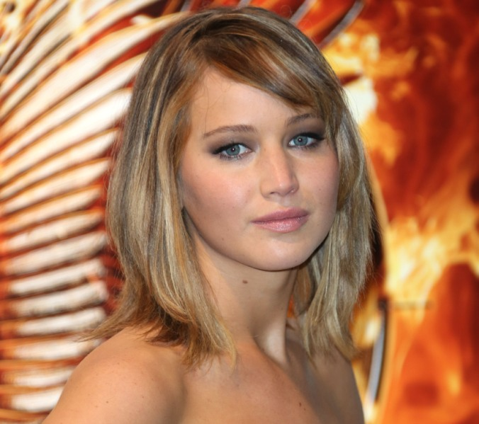 of course J.Law is a lefty.
