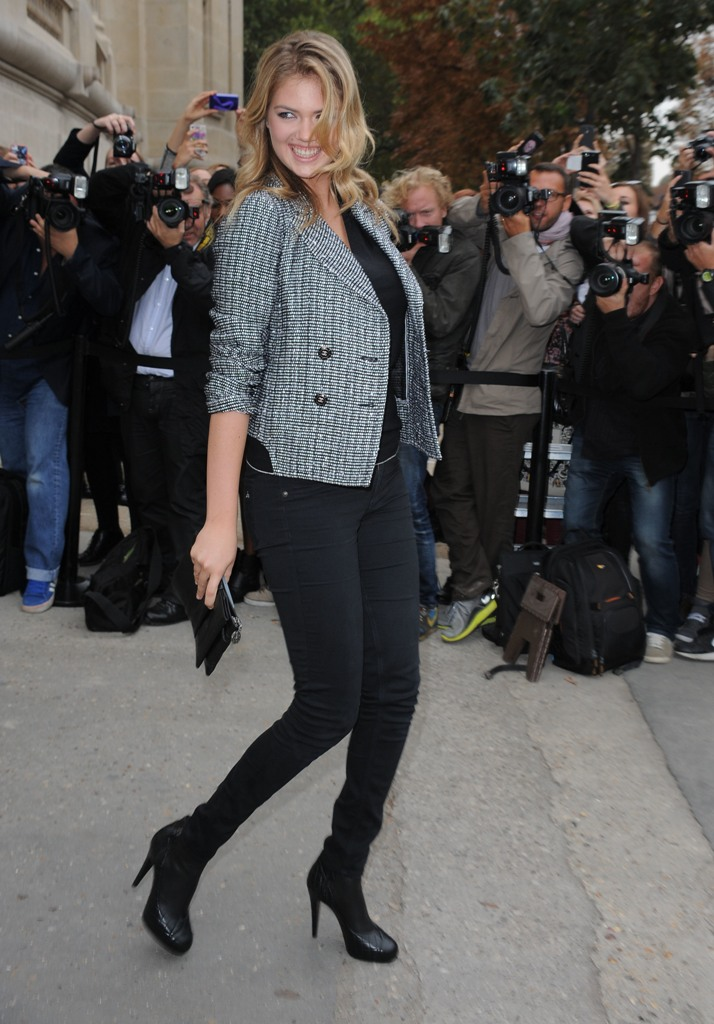 Paris Fashion Week Ready to Wear Spring/Summer 2014 - Chanel - Outside Arrivals Featuring: Kate Upton Where: Paris, France When: 01 Oct 2013 Credit: WENN.com **Not available for publication in Italy**