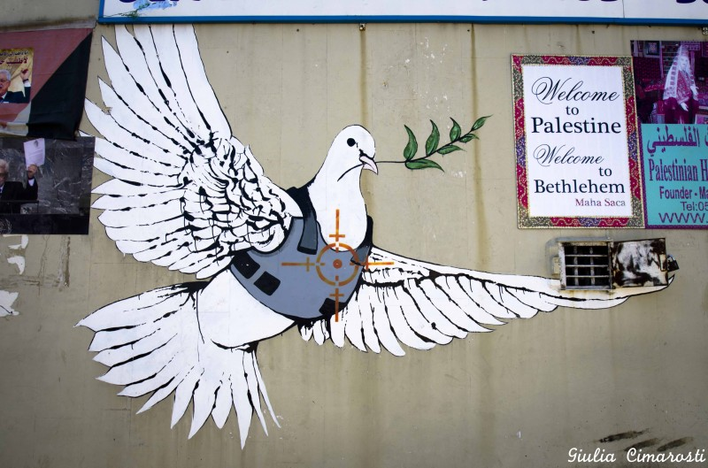 banksy-dove-bethlehem-800x529