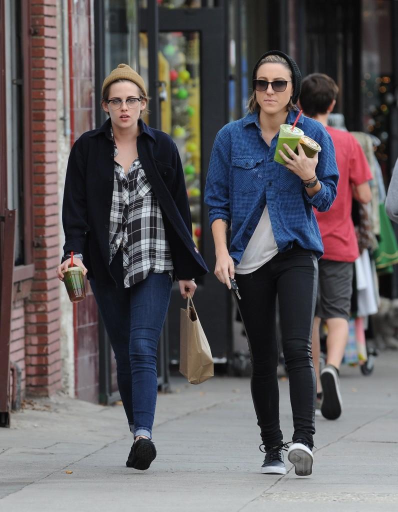 Kristen Stewart and best friend Alicia Cargile visit Tacos Delta