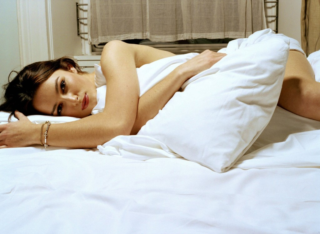 Keira-Knightley-Bed-England