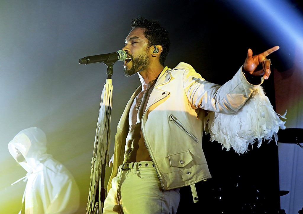 Miguel Performing On His UK Tour at Manchester Academy Featuring: Miguel Where: Manchester, United Kingdom When: 18 Oct 2015 Credit: Sakura/WENN.com