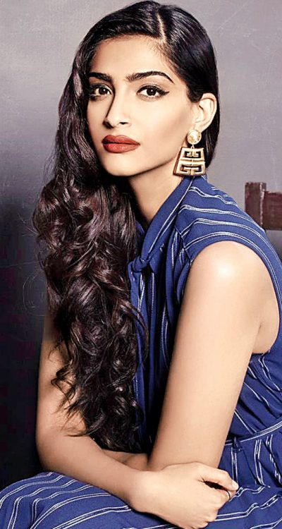 Actress Sonam Kapoor opens up about her struggle with body image issues in compelling Buzzfeed article.